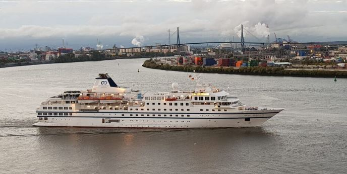 Francois Illas New Tradition: Expedition Cruising