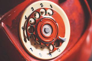 χαλασμένο τηλέφωνο