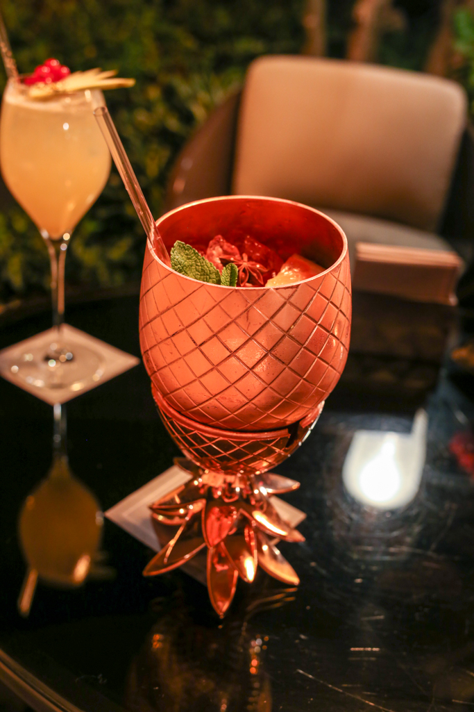 mandarin oriental paris bar 8 pineapple cocktail