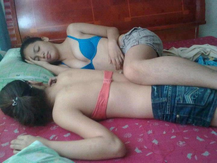 naked lesbians in hostel