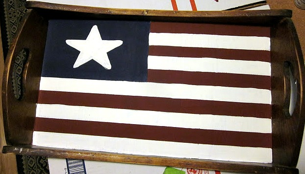 Thrift store tray with flag motif