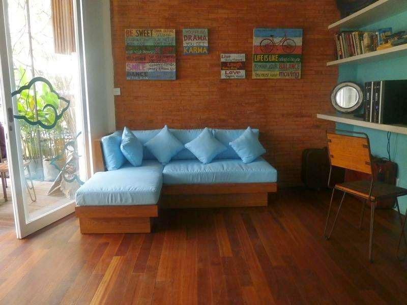 Nau Here Hostel Kuta Bali