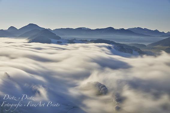 Nebelwelle über dem Jura