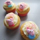 http://unhogarparamiscositas.blogspot.com.es/2016/04/cupcakes-peppa-pig-con-oreo-dentro.html