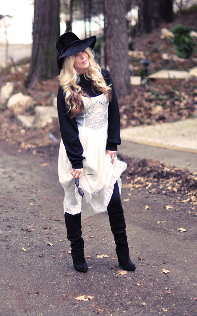retro 70's romantic bohemian look, stevie nicks style, black and white outfit