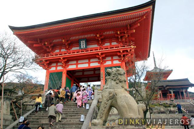 Puerta Deva de Kiyomizu-dera