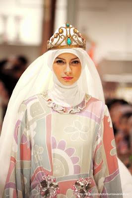Contoh Dan Model Busana Muslim Pesta Oleh Dian Pelangi