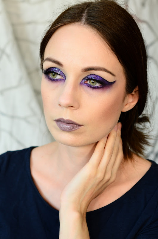 Blushes and More: Lilac Cat Eyes - Statementliner