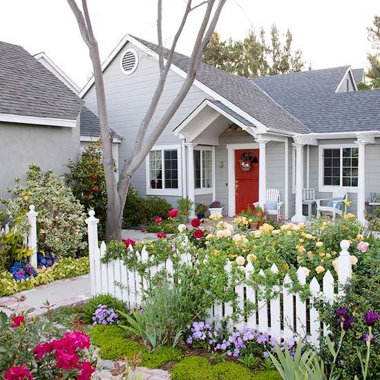 New Home Interior Design: Front Yard Flower Power