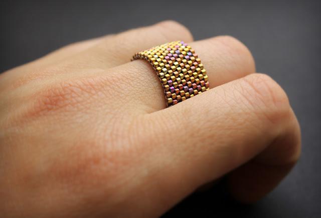 купить широкие кольца для девушек Бижутерия из бисера