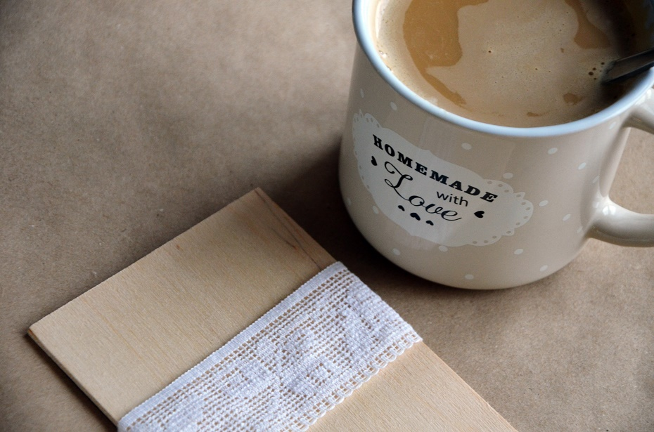 duża biała kawa