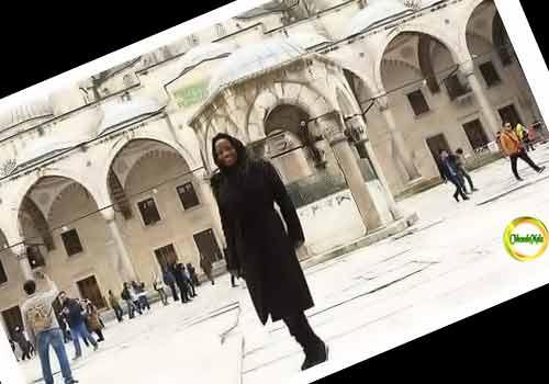 মার্কিন সঙ্গীতশিল্পী-আল্লাহর কসম, ইসলাম গ্রহণ করে আমি সম্মানিত