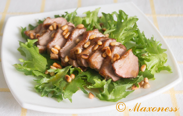 Салат с утиной грудкой. Французская кухня