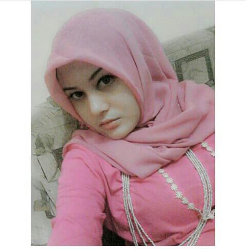 Hijab Seksi: Jilboobs body mantap bikin mupeng
