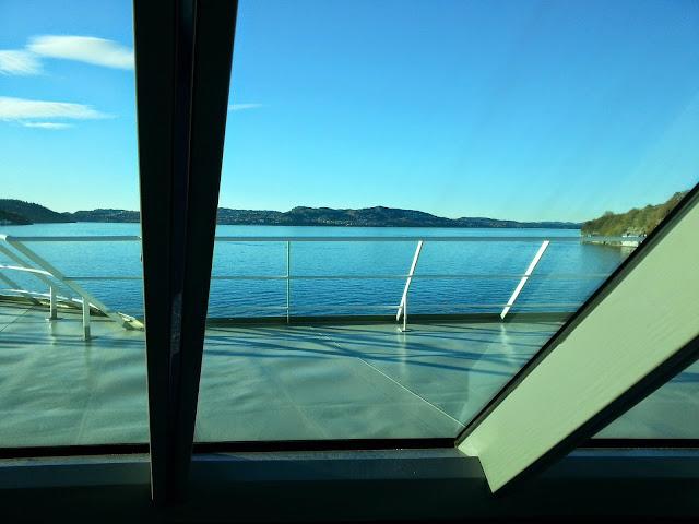 Hurtigruten MS Trollfjord - Panorama Lounge