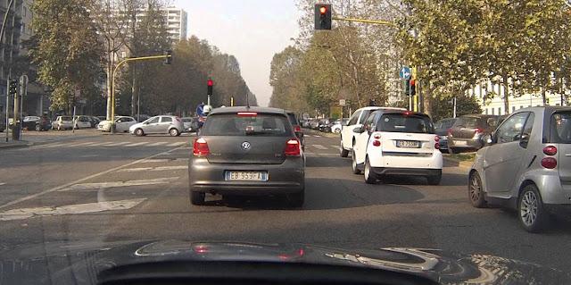 Como dirigir em Milão