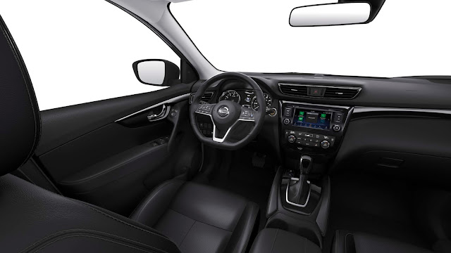 Interior view of 2018 Nissan Rogue Sport