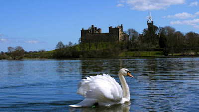 Linlithgow Palace - Picture by Arden Country House in Linlithgow