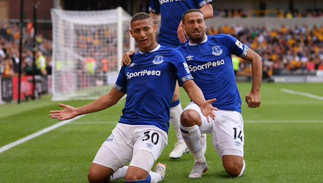 Everton Richarlison Celebrates With Teammates