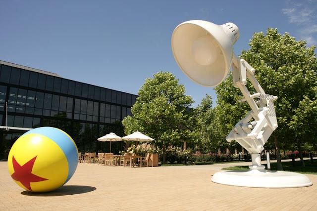 Los protagonistas del primer corto de Pixar son homenajeados dentro del Campus.