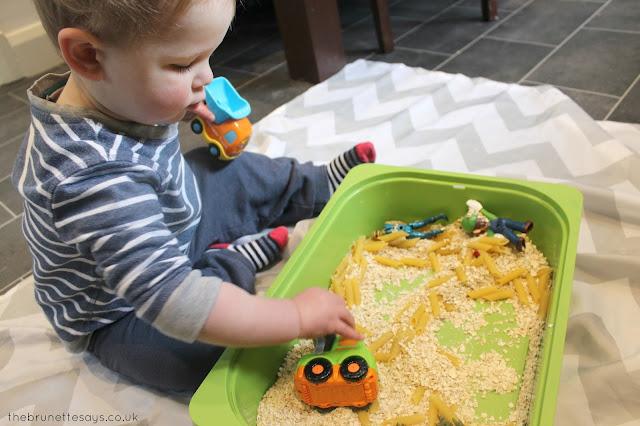 toddler activities, small world, sensory play
