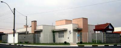 Residência e escritório do arquiteto Jean Tosetto em Paulínia desde novembro de 2009.