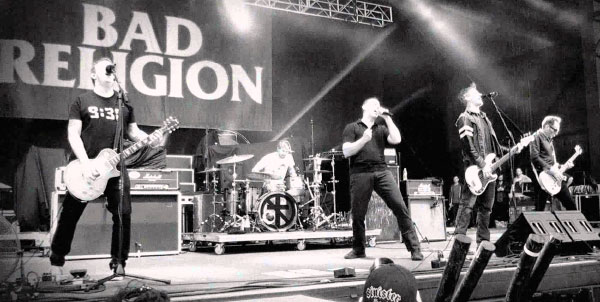 "Bad Religion perform ""True North"" at The Hurley Studios"