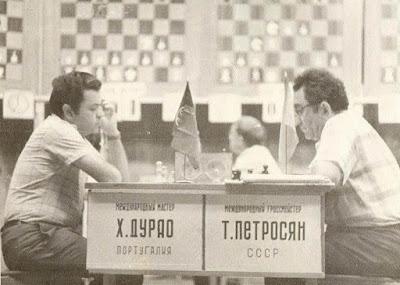 Partida de ajedrez Joaquim Durão - Tigran V. Petrosian, Sochi 1977