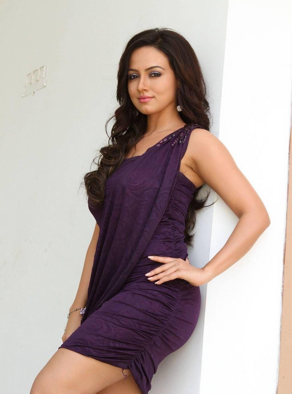 Wajah Tum Ho actress Sana Khan Full HQ Photos & Wallpapers