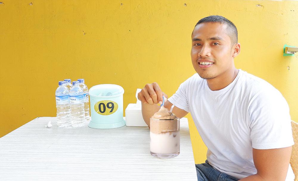 Cara Mudah Membuat Dalgona Coffee, resep cara membuat dalgona coffee, bahan dalgona coffee
