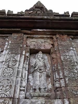 relief arca resi agastya