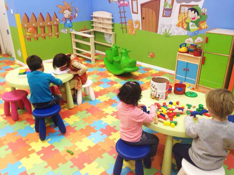 Salas infantiles omniocio abre la sala infantil leroy merlin sant cugat - Leroy merlin casitas infantiles ...