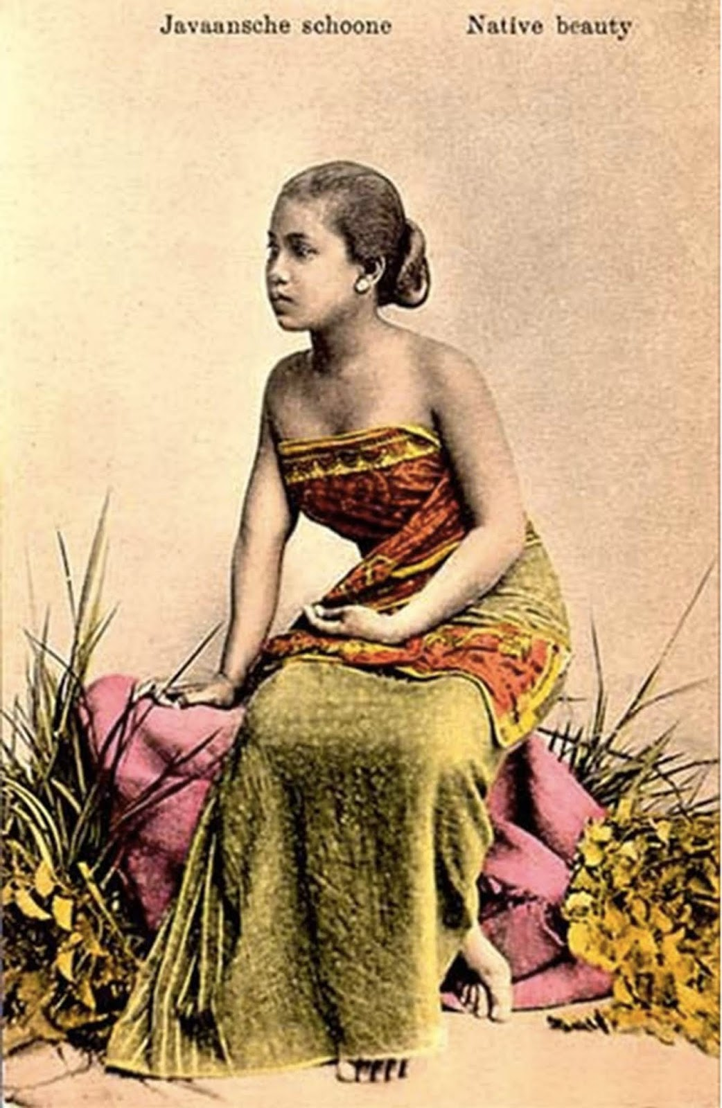 Dutch postcard of a Javanese beauty.