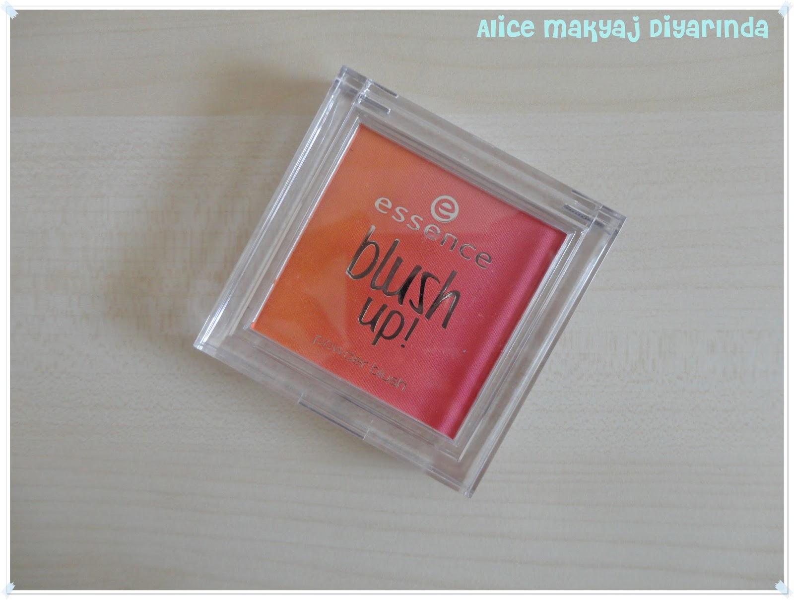 Essence Blush Up Allık