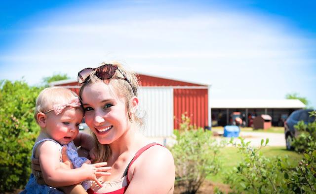 Lauren and Gentry at Thunderbird Farm in Broken Arrow, OK