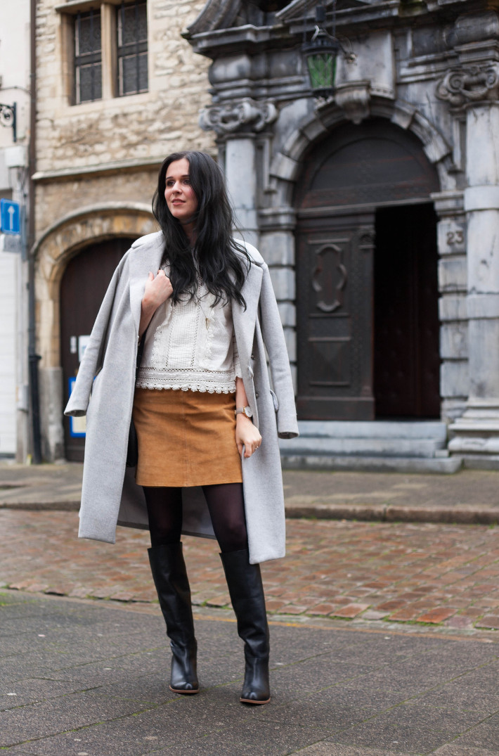 Outfit: oversized coat, Edwardian blouse, suede skirt, knee boots