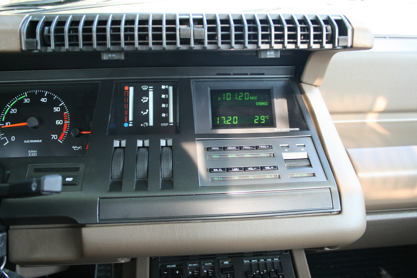 A 1986 Renault 25 GTX with Only 7k Miles Resides in ...