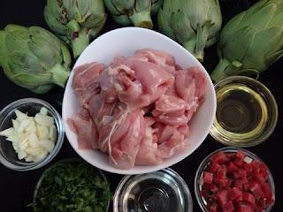 Pollo Salteado con Alcachofas