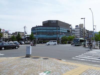 京阪三条駅前