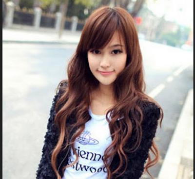 model rambut dengan variasi curly untuk anak muda