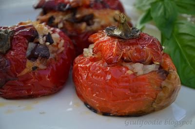 peperoni, riso, olive, capperi, basilico