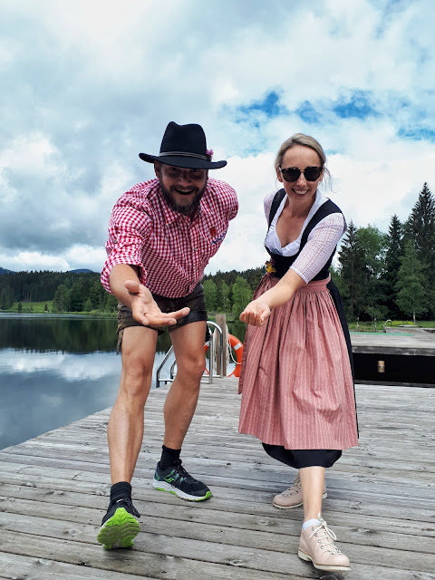 Bjorn Troch, The Social Traveler and Lea from Escape Town in lederhosen and dirndl at Schwarzsee in Kitzbühel
