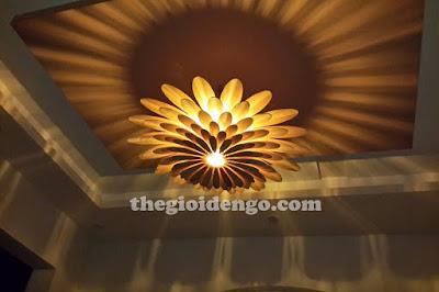Thế Giới Đèn Gỗ - Đèn gỗ trang trí hoa cúc thích hợp ở phòng khách hoặc phòng ngủ