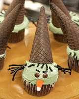 wicked withc Halloween cupcakes