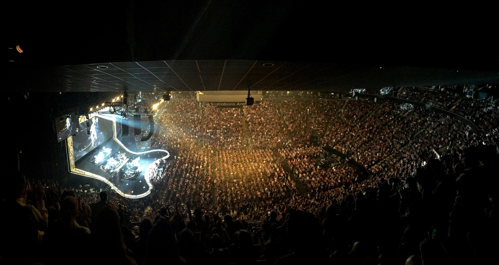 Elton John! What a Farewell Concert in Toronto ...