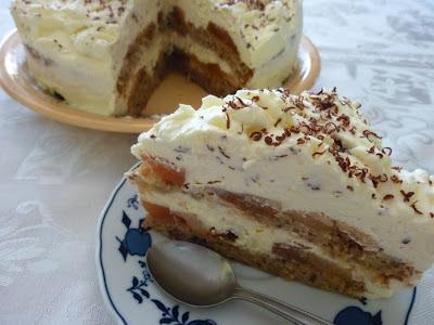 Tort cu mere caramelizate si frisca