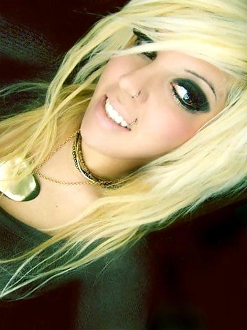 hairstyles girl Blonde emo