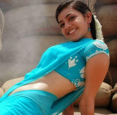Kajal Aggarwal Hot navel in saree