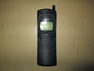 Nokia pisang 8110 rusak buat kanibalan