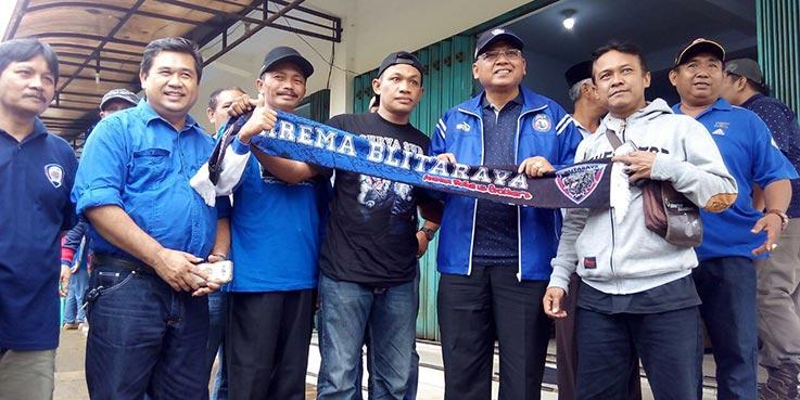Bupati Malang Dr. H Rendra Kresna saat menghadiri HUT Aremania Korwil Sumbermanjung Wetan (Sumawe) yang ke-8.
